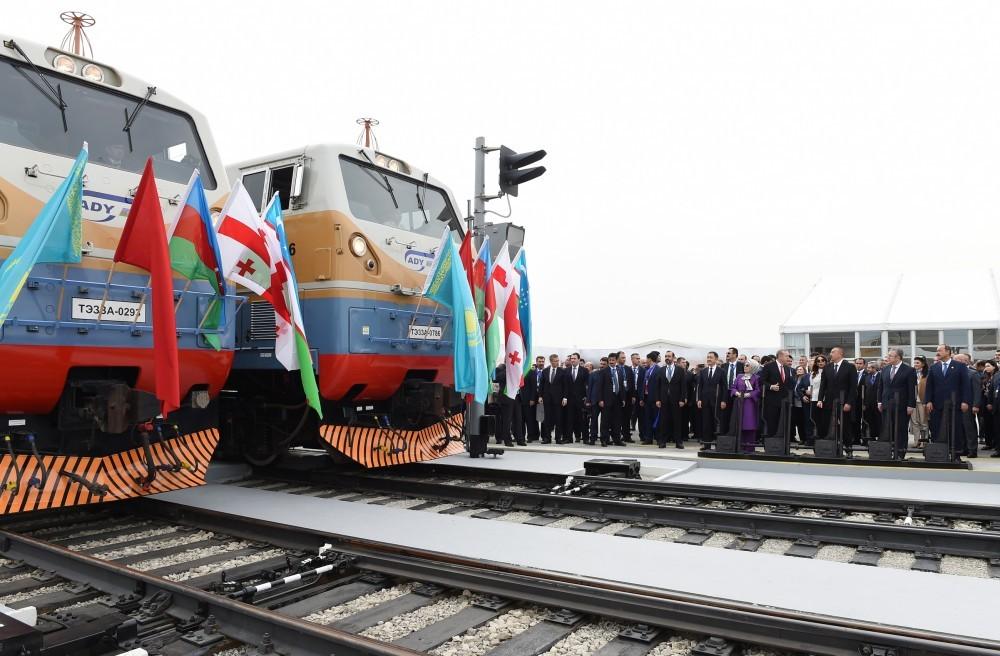 Türkiyə Prezidenti Bakı-Tbilisi-Qars dəmir yolunun açılışını qürur günümüz kimi dəyərləndirib