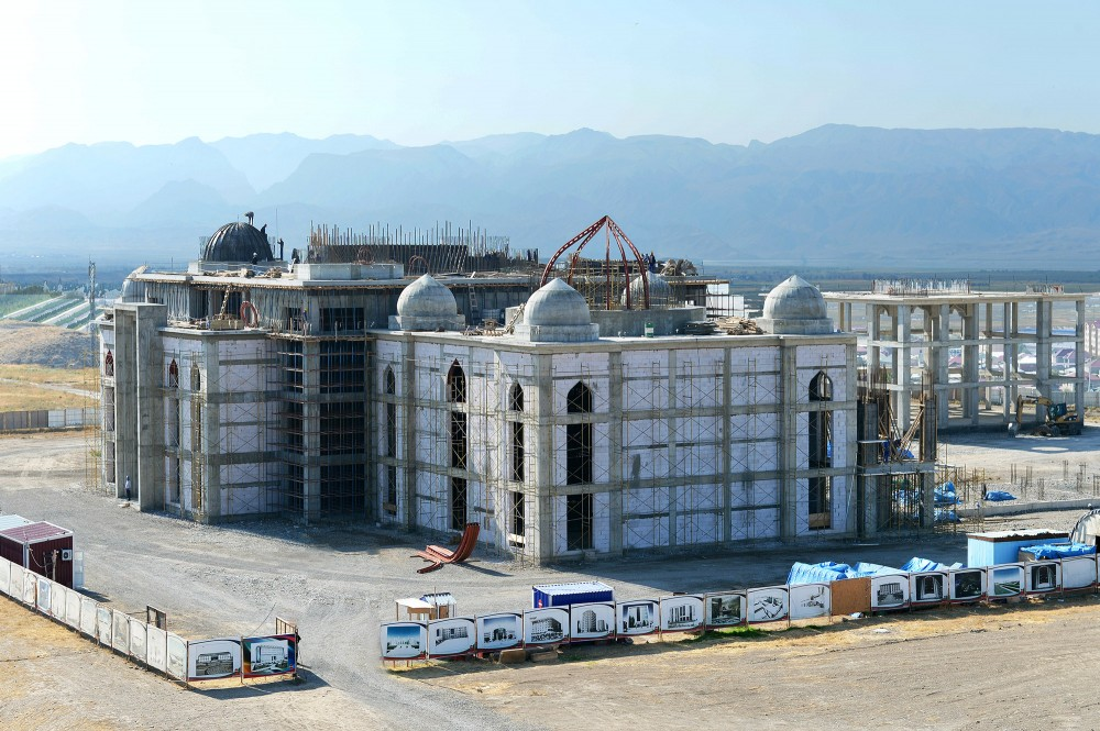 Chairman of Nakhchivan`s Supreme Assembly views construction of new mosque