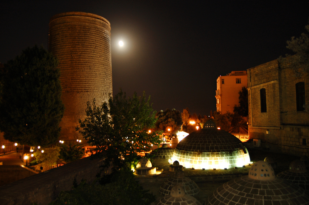Qız qalası MDB məkanında beş ən populyar romantik yerdən biridir