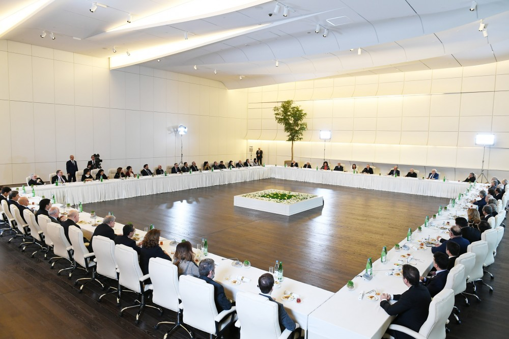 President Ilham Aliyev and first lady Mehriban Aliyeva met with a group of culture and art figures