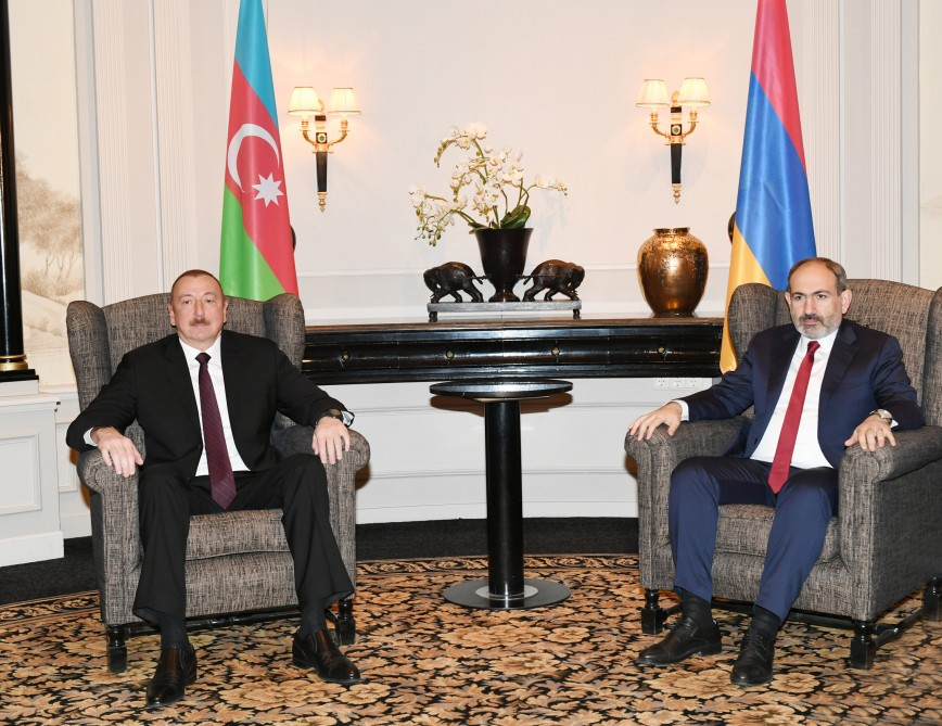Azerbaijani President having meeting with Armenian Prime Minister in Vienna