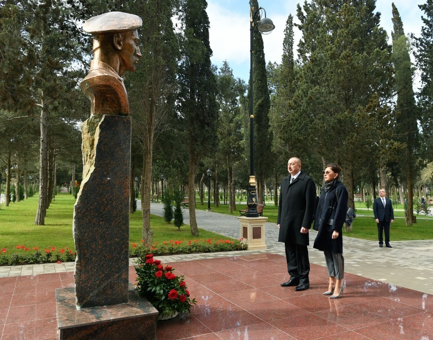 President Ilham Aliyev views conditions created at newly- reconstructed Neftchilar park in Garachukhur