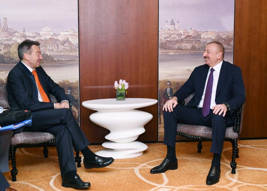 Prezident İlham Əliyev Münxendə Beynəlxalq Qırmızı Xaç Komitəsinin prezidenti ilə görüşüb